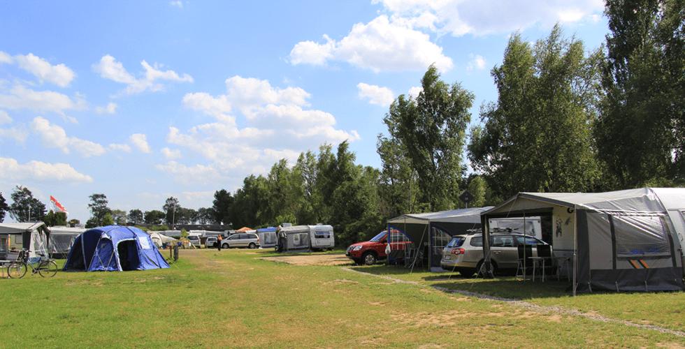 Campingplätze auf der Wiese