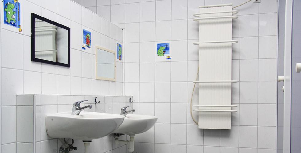unterschiedliche hochangebrachte Waschbecken